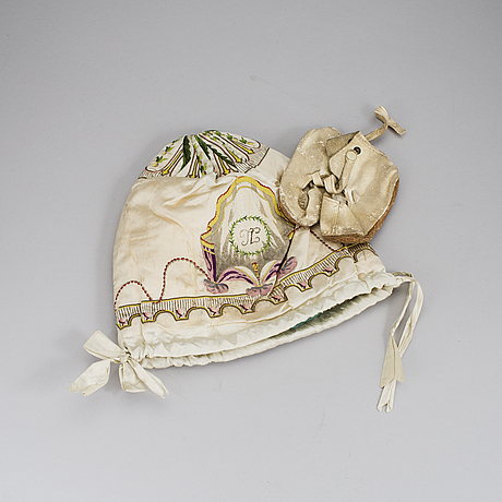 A night cap in silk dated 1801.