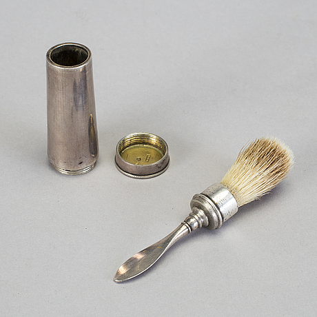 A silver shaving brush by johan henrik lampa in stockholm 1819. total weight c. 40 gram.