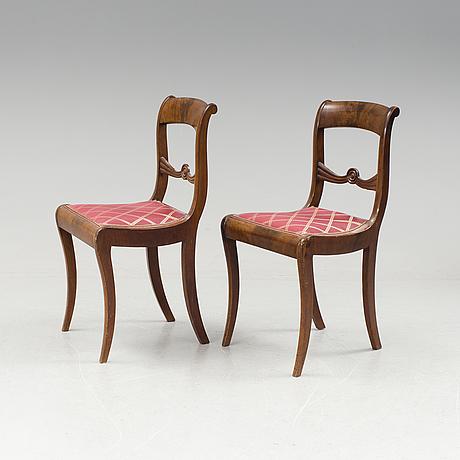 Stolar i karl johan, ett par, 1800-talets första hälft.