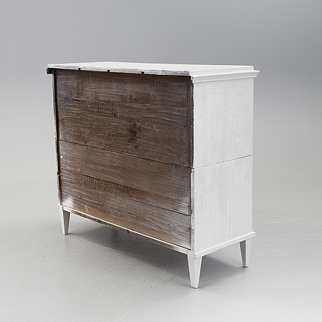 A gustavian chest of drawers from the family lidströmer. dated 1771.
