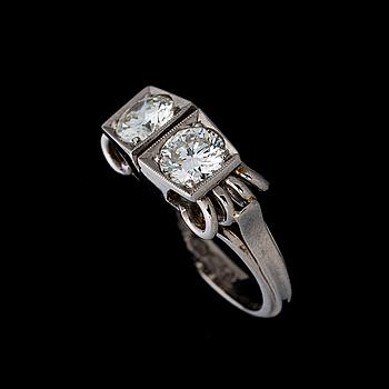 RING, briljantslipade diamanter, 18K vitguld. Bror Erik Ahlfors, Helsingfors 1966.