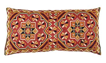 417. A CARRIAGE CUSHION. Double-interlocked tapestry. 45 x 91 cm. Scania, Sweden, around 1850.