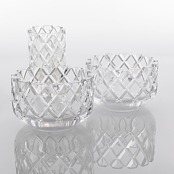 3 glass pieces designed by Gunnar Cyrén for Orrefors från the second half of the 20th century.