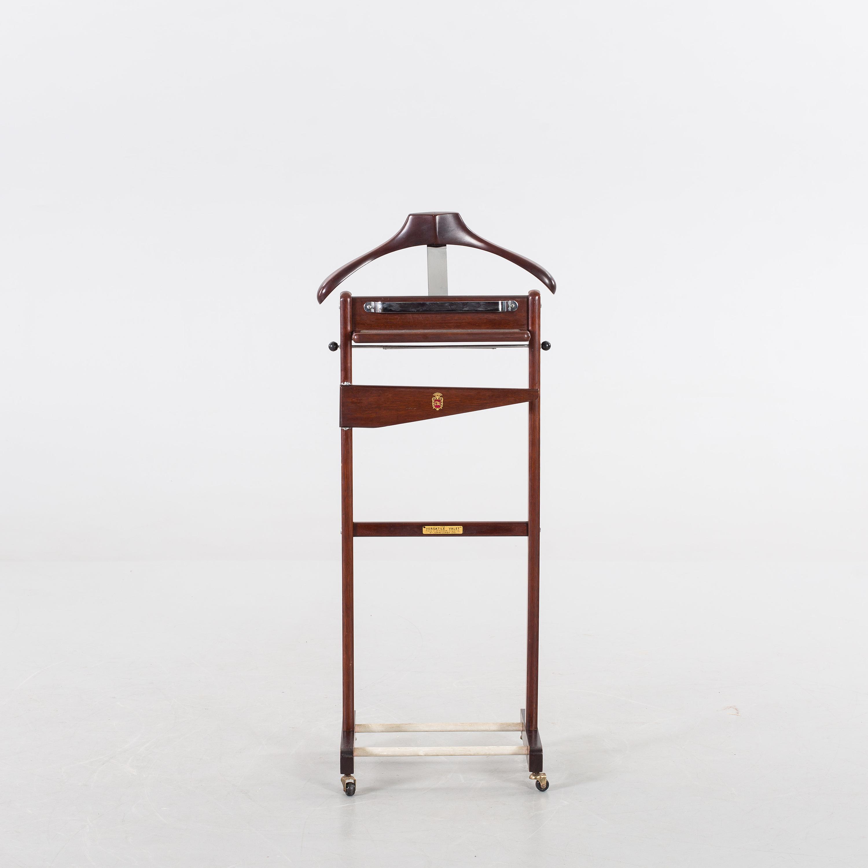 """HERRBETJäNT, märkt""""The versatile valet"""", John Corby Ltd, Windsor England, 1900 talets andra"""