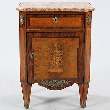 An early 20th century commode.