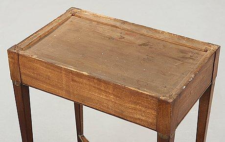 Bord, sengustavianskt, 1700-talets slut.