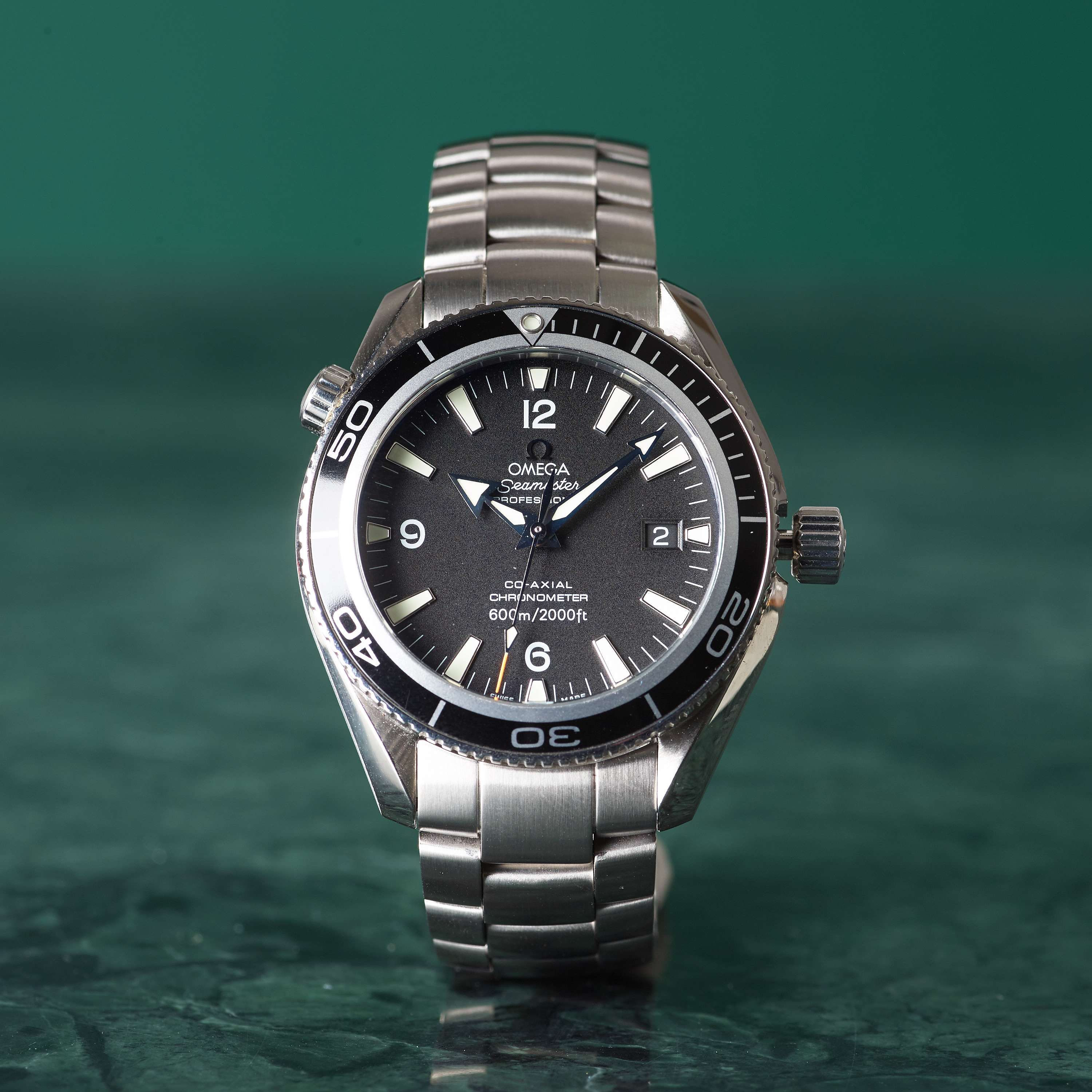 Omega seamaster professional 600m 2000ft planet ocean chronometer wristwatch 42 mm for Omega seamaster professional