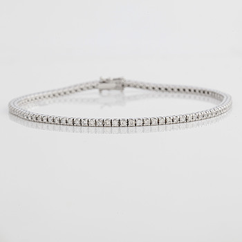 A circa 1.55 cts brilliant-cut diamond bracelet.