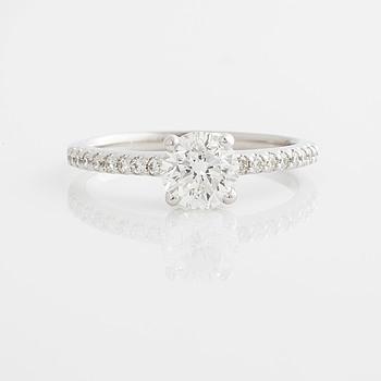 A 1.00 cts brilliant-cut diamond ring.