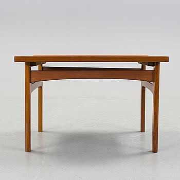 a teak sofa table designed by Tove Kindt-Larsen, made by Säffle möbelfabrik, 1960s.
