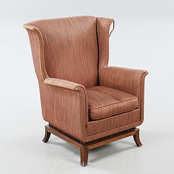 An armchair, made in the 1920/30s.