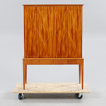 A cabinet, bought at Ferdinand Lundquist in the 1940s/50s.