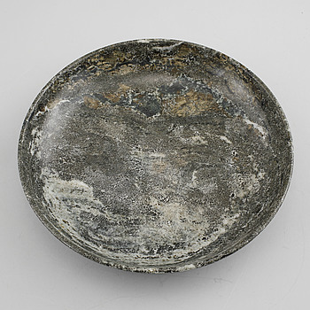 A marble bowl, 20th century.