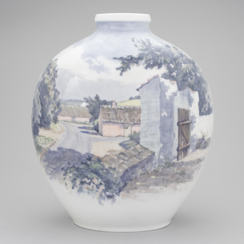 Royal copenhagen a royal copenhagen porcelaine vase painter by 10117523 bukobject reviewsmspy