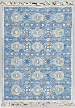 A flatweave carpet from the middle of the 20th century.