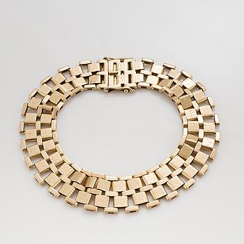 A gate-link bracelet.