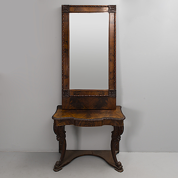MIRROR AND CONSOLE TABLE, empire, mahogany, first half of the 19th century.