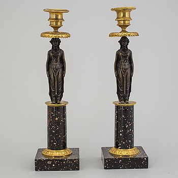 GUSTAVIANSK, A pair of late Gustavian candlesticks, ca 1800.