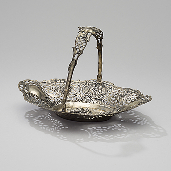 BASKET, silver, Helsinki 1964, weight 288 g.