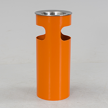 KARTELL, A trashcan design by Gino Colombini, Kartell, Italy.