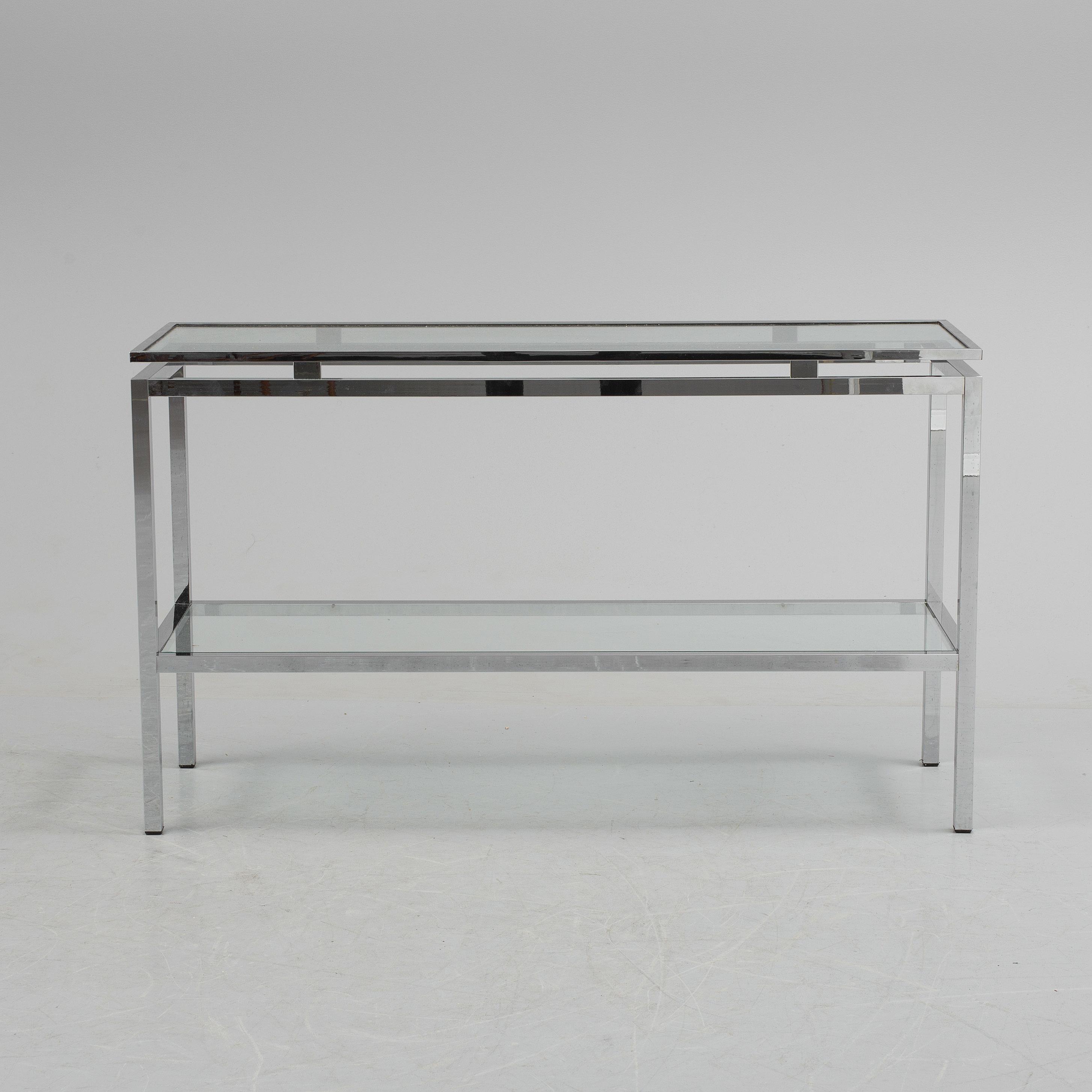 sideboard metall och glas troligen italien 1970 80 tal. Black Bedroom Furniture Sets. Home Design Ideas