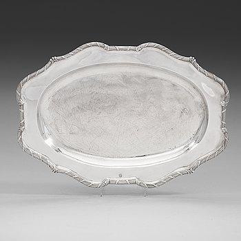 98. A Swedish 18th century silver serving-dish, mark of Jonas Thomasson Ronander, Stockholm 1762.