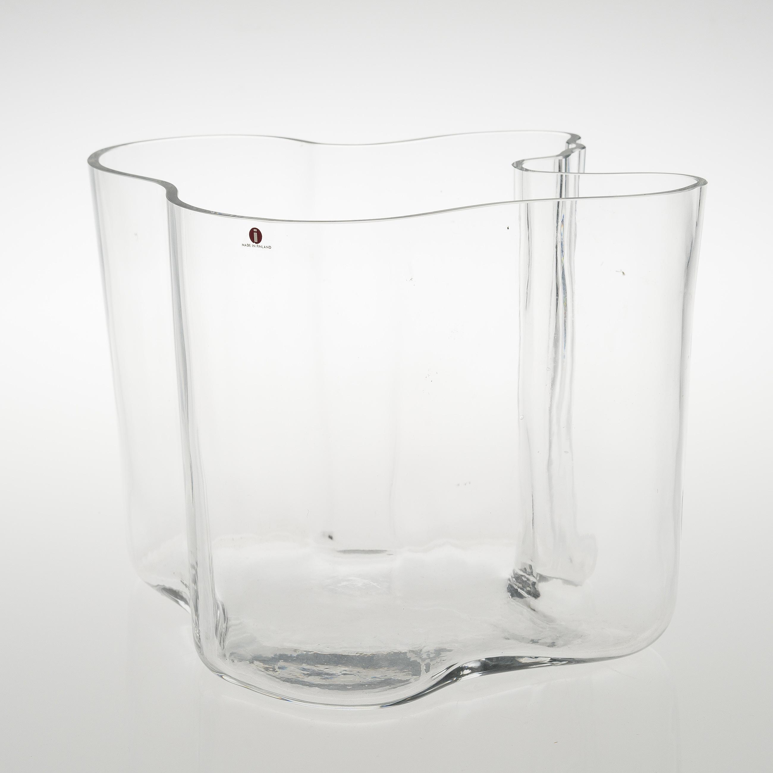 Alvar aalto an alvar aalto 1970s savoy glass vase iittala 10148894 bukobject reviewsmspy
