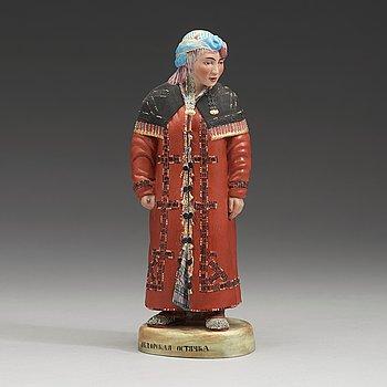 140. En rysk figurin i biskviporslin, Kuznetsov, 1900-talets första hälft.