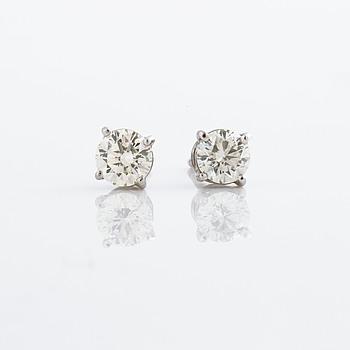 ÖRHÄNGEN, med briljantslipade diamanter ca 1.00 ct.