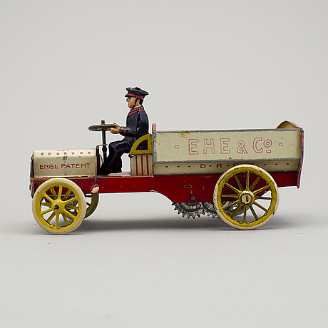 A tinplate lehmann ehe & co 570 truck, germany. in production 1907-1935.