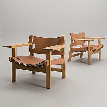 BØRGE MOGENSEN, A PAIR OF CHAIRS. Spanish Chair.  Label marked Fredericia Stolefabrik, Denmark.