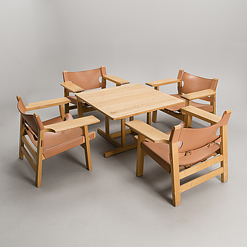 BØRGE MOGENSEN, A SET OF FOUR CHAIRS AND A TABLE. Spanish Chair.  Label marked Fredericia Stolefabrik, Denmark.