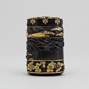DOSA, delvis förgyllt brons, Japan, Meiji 1868-1912.
