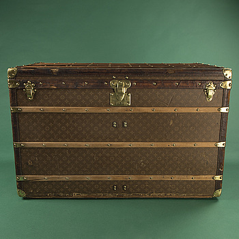 LOUIS VUITTON, a Monogram canvas trunk, late 19th/early 20th century.