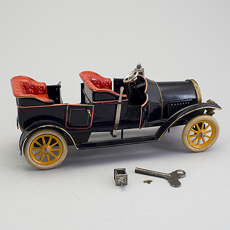 A tinplate gebrüder bing 10375/2 open tourer, germany, ca 1912.
