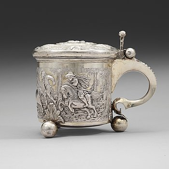88. A Swedish/Baltic late 17th/early 18th century parcel-gilt tankard, unmarked.