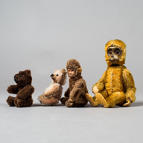 A lof of 2 teddybears and 2 monkeys, germany, first half of the 20th century