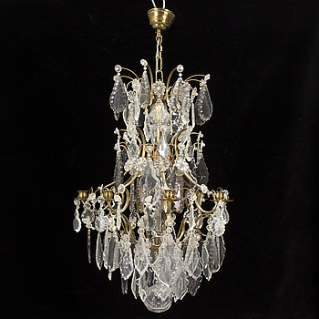 A mid 20th century rokoko-style chandeliere.
