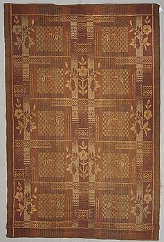 CARPET, the early 20th century. Circa 287 x 189 cm.