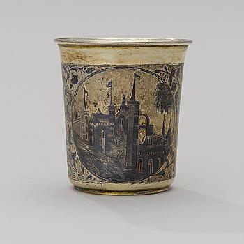 BÄGARE, förgyllt silver och niello, Moskva 1845, oidentifierad guldsmed AK, vikt 104 g.