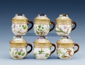 A set of six Royal Copenhagen ´Flora Danica´ custard cups with stands, 20th Century, model 3514. (6). Height 7,5 cm.