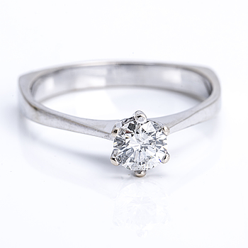 RING, 18K vitguld med briljantslipad diamant ca 0.72 ct.