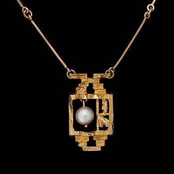 "BJÖRN WECKSTRÖM, NECKLACE, ""Magic pearl"", 14K gold, cultured pearl. Lapponia 1968."