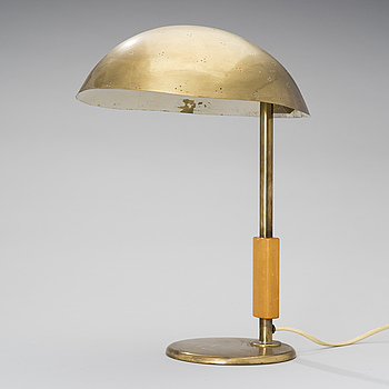 PAAVO TYNELL, A DESK LIGHT. Taito, designed in 1949.