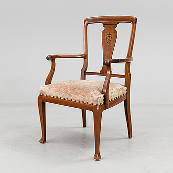 JUGEND, A early 1900s armchair.