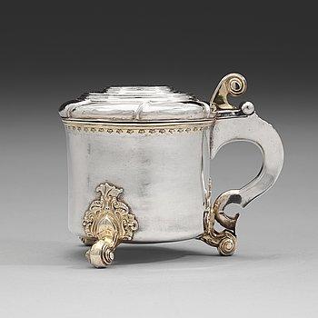 92. A Swedish 18th century parcel-gilt tankard, mark of Jonas Jaderstedt, Vasteras 1759.