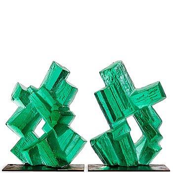 """12. Edvin Öhrström, skulptur, två delar """"Kristallisk Komposition"""", Lindshammars Glasbruk, 1960-tal."""