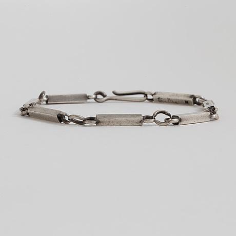 A bracelet by wiwen nilsson, lund, 1941.