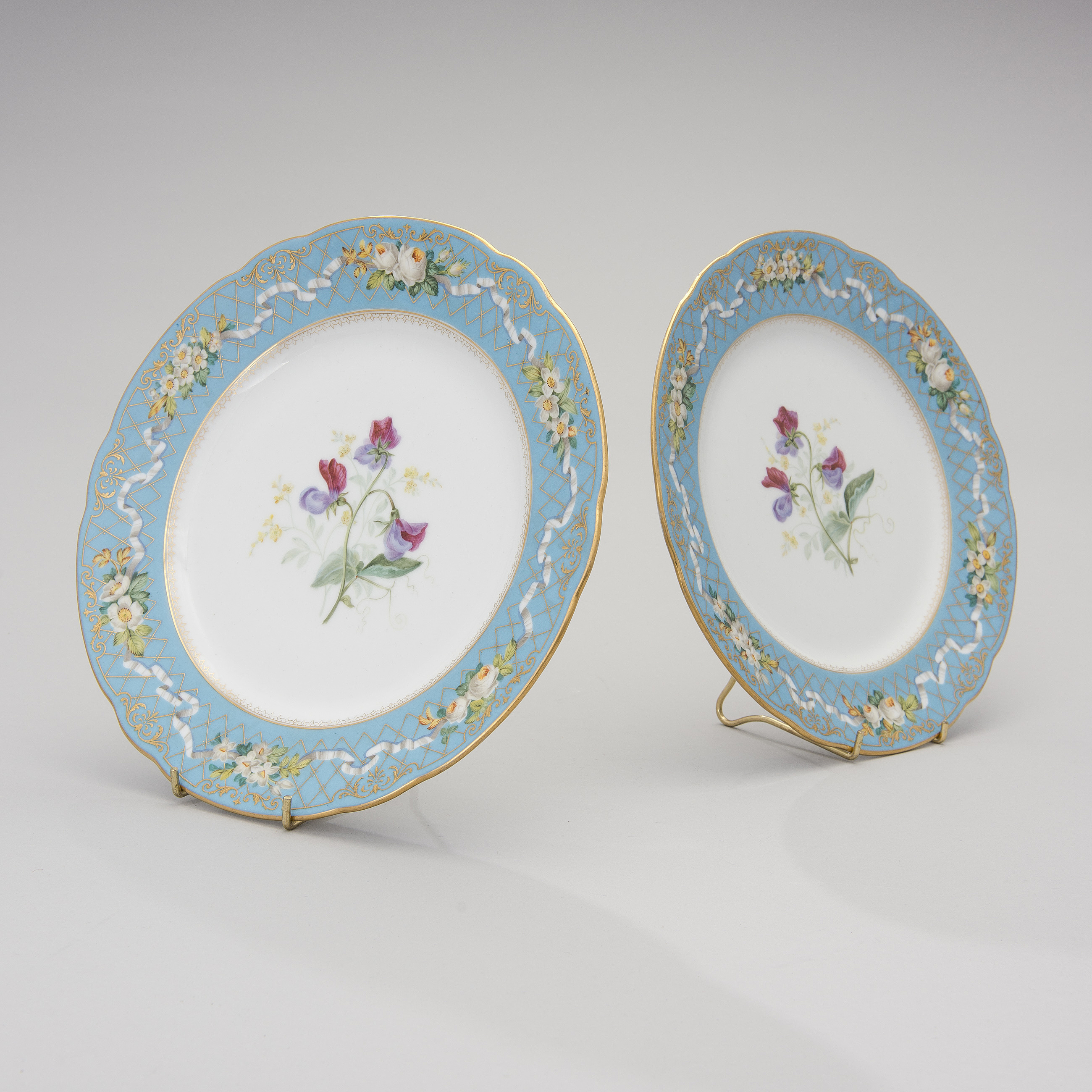 A PAIR OF RUSSIAN IMPERIAL PORCELAIN FACTORY PLATES Alexander II 1855-81. - Bukowskis  sc 1 st  Bukowskis & A PAIR OF RUSSIAN IMPERIAL PORCELAIN FACTORY PLATES Alexander II ...
