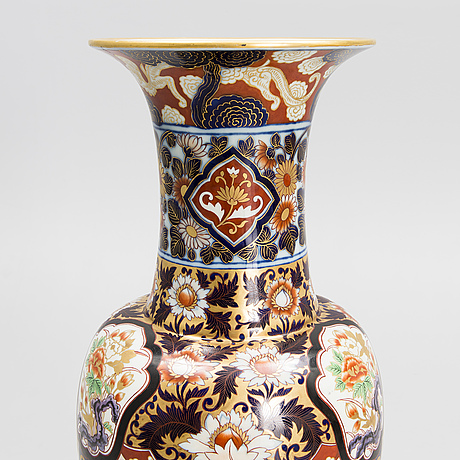 An impressive vase from the russian imperial porcelain factory in st:petersburg.